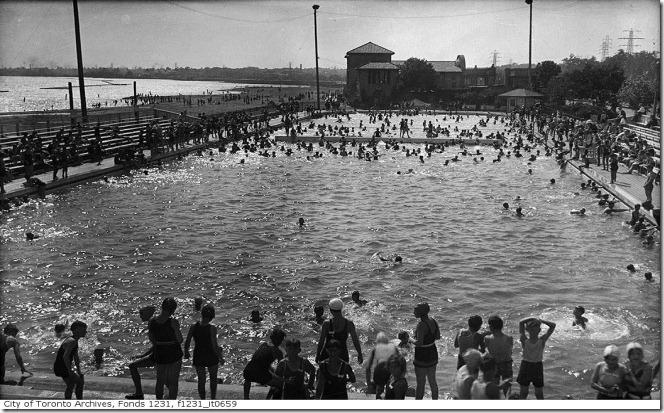 pool, Aug. 1922