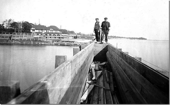 f1231_it0534[1] breakwall 1909