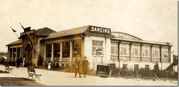 Palais_Royale_1930s[1]
