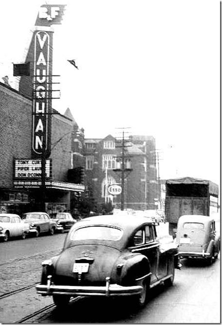 photo-toronto-vaughn-road-looking-towards-st-clair-ave-note-vaughn-theatre-reitmans-esso[1]