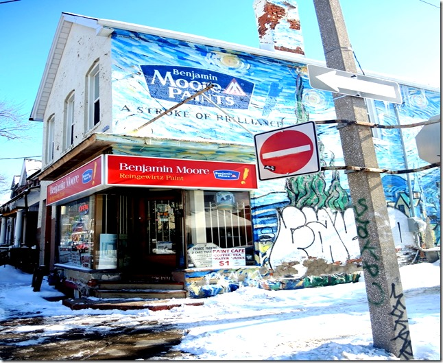 corner D'Arecy and Huron (SE)