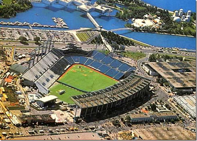20101011-exhibition-stadium1980s[1]