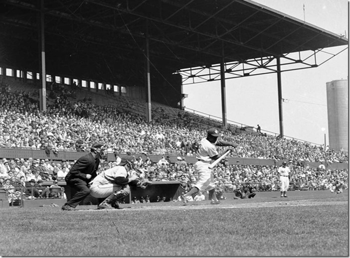 2011713-maple-leaf-stadium-1937-f125[1]