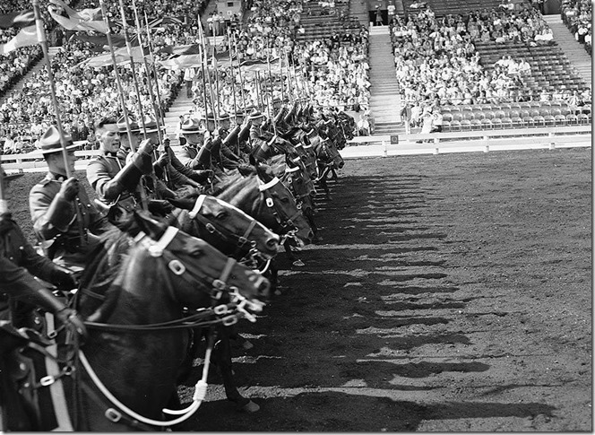RCMP Musical Ride, 1950s f1257_s1057_it5746[1]