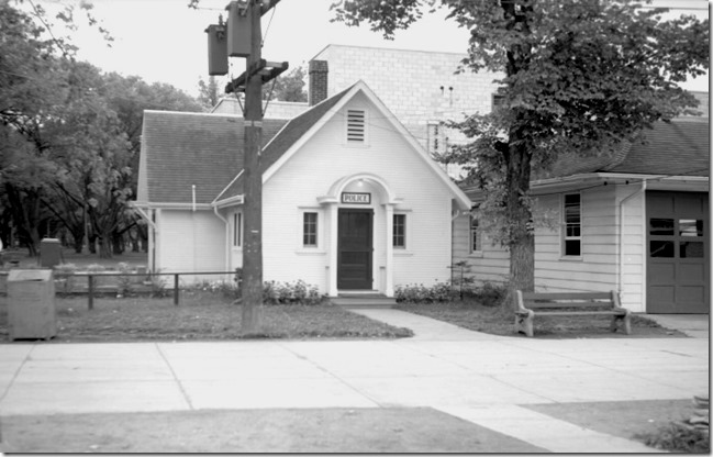 Police Stn, 1954, Manitou Rd. pictures-r-427[1]