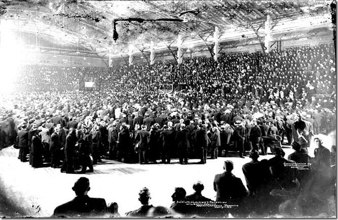 Wikipedia  1913- Sir_Wilfrid_Laurier's_reception_at_Liberal_meeting,_Arena_Gardens[1]