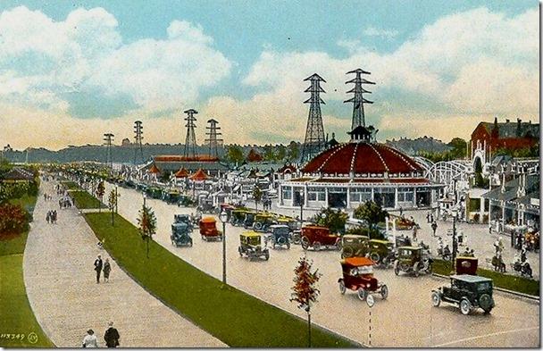 Sunnyside_Boardwalk_Toronto_1931[1]