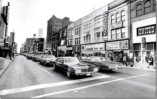 east side on Yonge 1972.  tspa_0110147f[1]