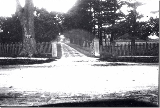 58. gate and lane to G H in 1913.   nyhs00633[1]