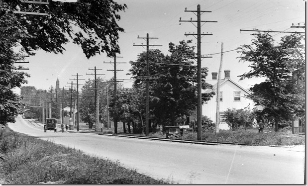 61, south on Yonge from north of Park Ave, 1914.   near  nyhs00010[1]