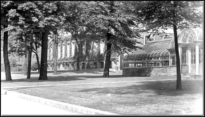 U-of-T-greenhouse-1940-6-Queens-Park[1]